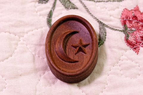 Star and Crescent Magnetic Needle Minder