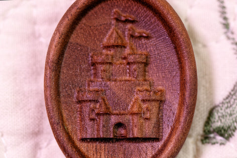 Fantasy Castle Carved Magnetic Needle Minder