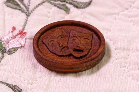 Theatre Masks Magnetic Needle Minder