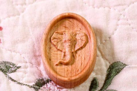 Carved Elephant Magnetic Needle Minder