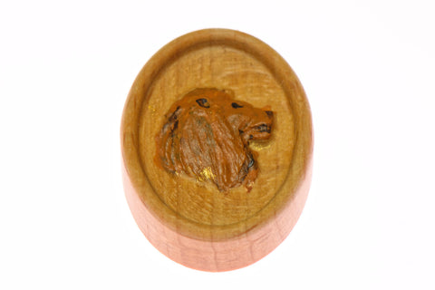Carved Lion Head Magnetic Painted Needle Minder