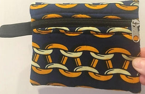 Chainlink navy blue and yellow travel purse