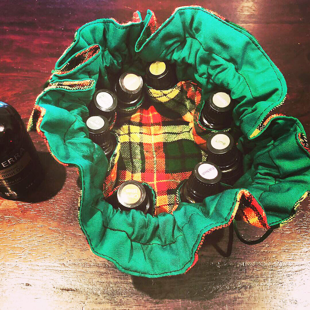 Green maasai drawstring bag (8 pockets)