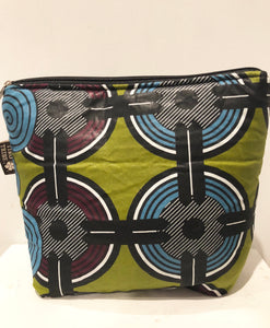 Limuru green beauty / travel bag (10 pockets)
