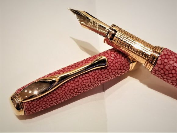 Coral Red Stingray Leather (Galuchat), 18 kt gold plated 925 silver point section 珊瑚紅魔鬼魚皮(粗面皮革), 18K鍍金925純銀墨水筆