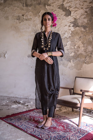 MUKAISH LONG KNOT KURTA