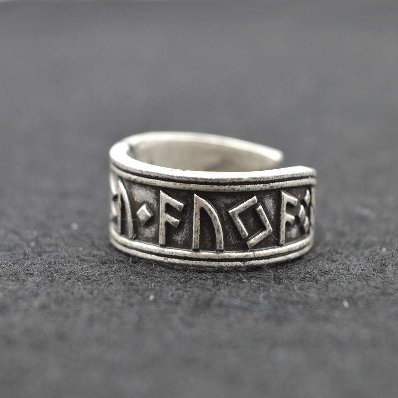 ANTIQUE SILVER VIKING RING - Big Red