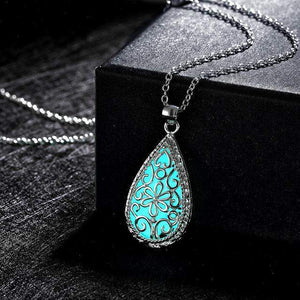 GLOWING STONE WATER DROP NECKLACE - Big Red