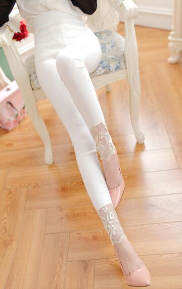 White Stylish Flowers Leggings
