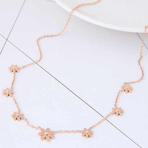 Rose Gold Seven Flowers Necklace - Crateen