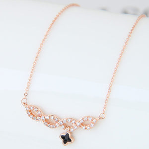 Rose Gold Clover Pendant Necklace - Crateen