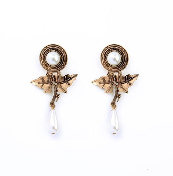 Pearl Fashion new Earring - Crateen