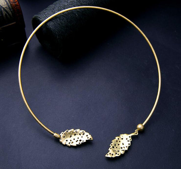 Gold Leaf Necklace - Crateen