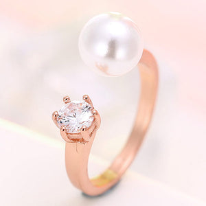 Elegant Gold Diamond & Pearl Ring - Crateen