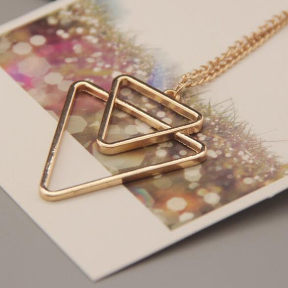 Binary Triangle Necklaces