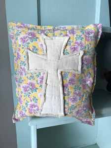 Vintage Quilt Pillow * Cross