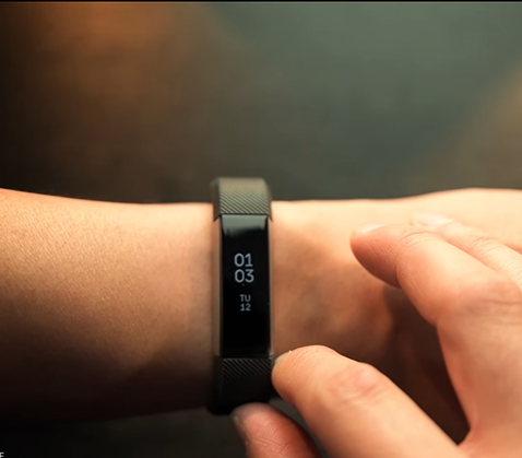 Step tracker fits neatly onto your wrist, with 2 sizes small and large.  Alta fitbit the best fitness tracking watch