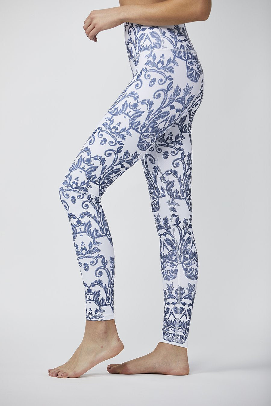 Signature Tight: Chambray Damask