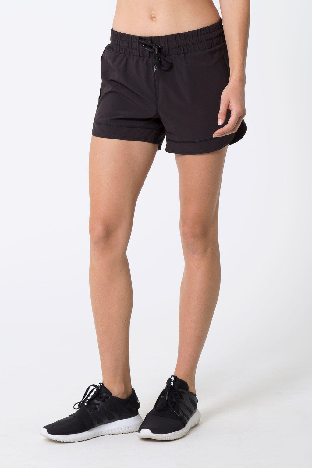 Aurora Short: Black