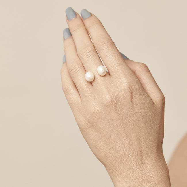 """GHOST"" LUNA PEARL & DIAMOND RING - FANCI ME"