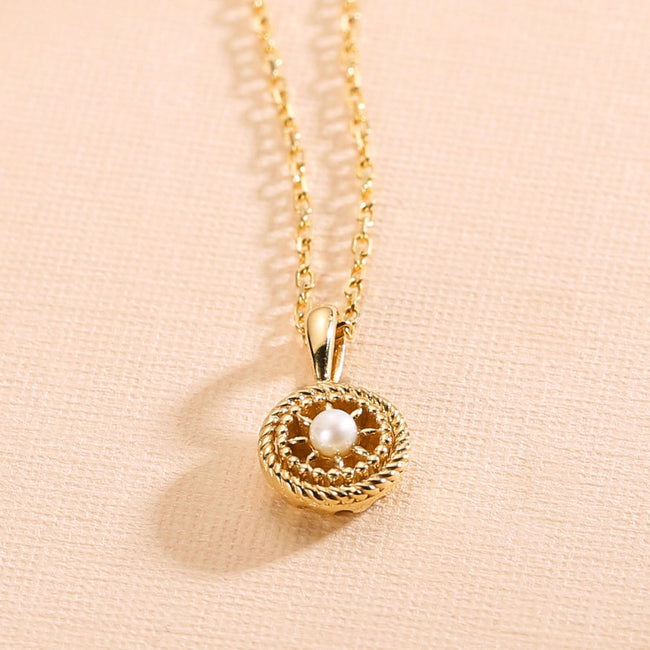 "Le Petit Royal ""Daisy"" Pearl Pendant Necklace"