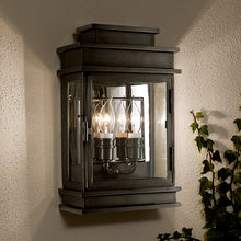 Mayfair wall lantern in black bronze - detail