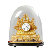 Mantel clock in gilt