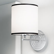 Retro polished chrome wall light - details