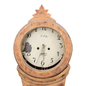 mora clock face with crown