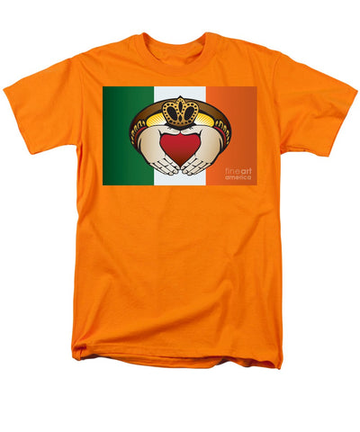 Irish Claddagh Art - Men's T-Shirt