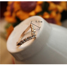 Girl V shape Finger Rings Bijoux New 2017 Simple Crystal Ring