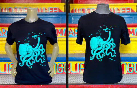 T-Shirt - Octopus Eating Hotdog  Unisex