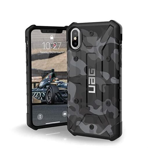 Husa UAG Pathfinder Forest Camo iPhone 8