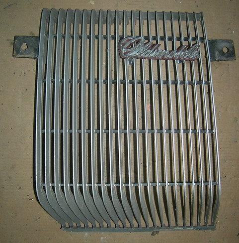 FRONT GRILL, LH, PAINTED, 73 CS, USED