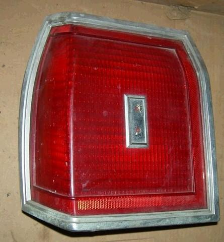 TAIL LIGHT ASSEMBLY, LH, 80 OLDS 88, ALL RED LENS, USED