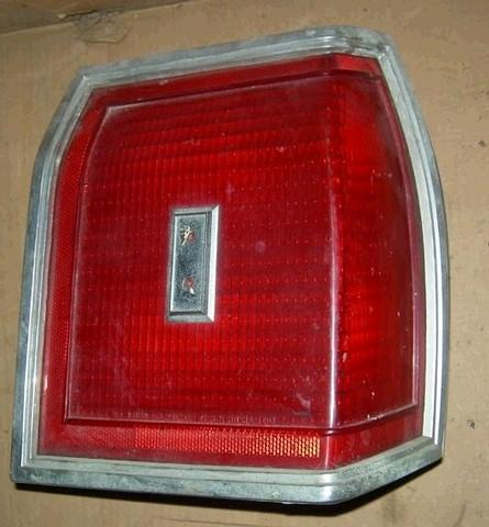 TAIL LIGHT ASSEMBLY, RH, ALL RED LENS, USED