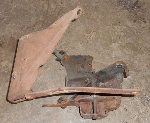AC COMPRESSOR BRACKET SET, V8, USED, 71-75 BUICK