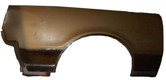 FRONT FENDER, RIGHT SIDE, USED