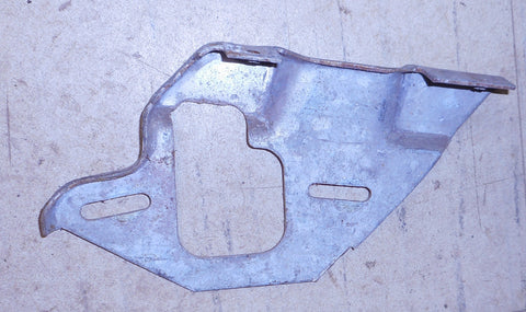 DOOR GLASS VERTICAL TRACK SUPPORT BRACKET ,LEFT 78-88 G-BODY