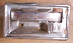 INSIDE DOOR HANDLE, RIGHT, USED, 70-74 CAM TA FB 70-72 GP
