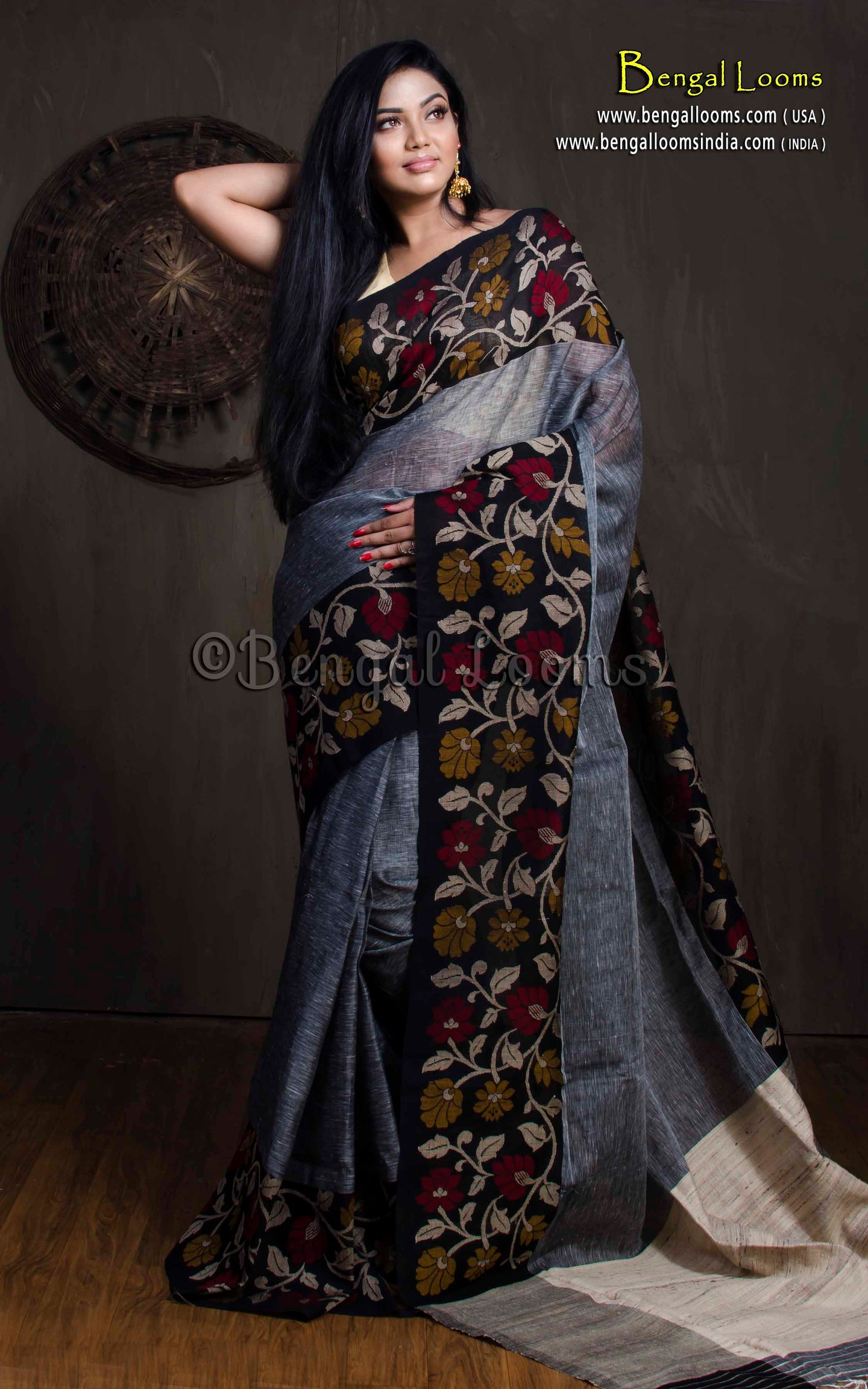 100 Thread Count Linen Jamdani Saree in Gray and Black from Bengal Looms India
