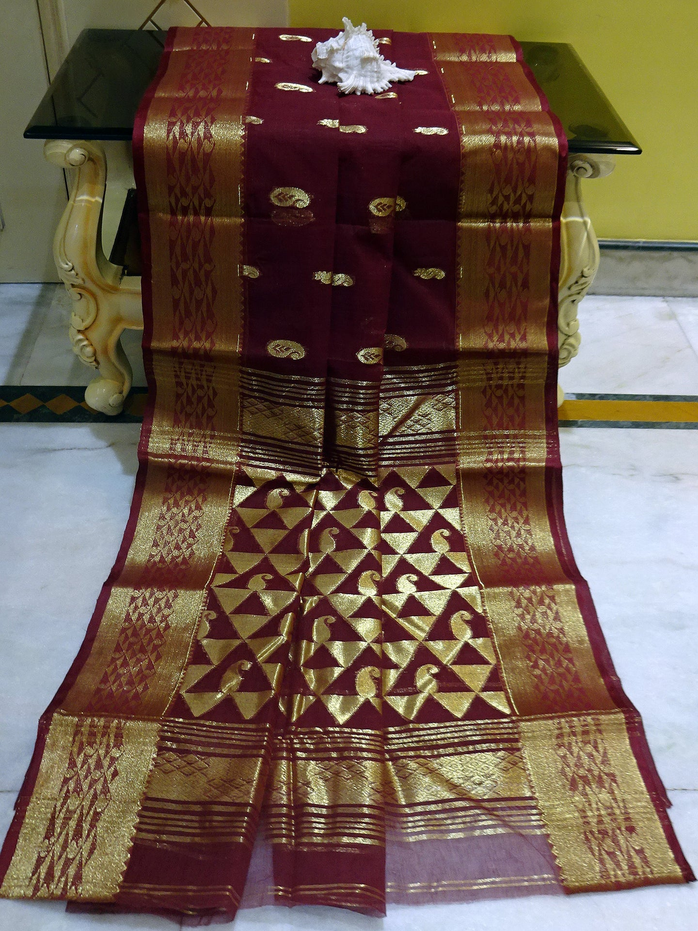 Rich Pallu Bengal Handloom Cotton Saree in Wine and Gold