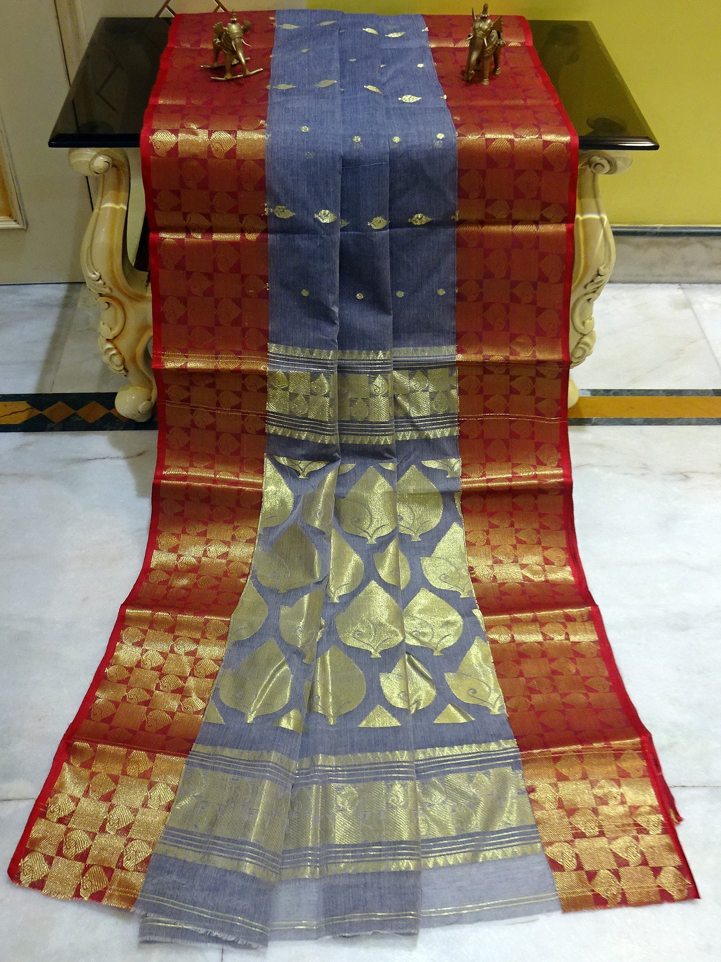 Rich Pallu Bengal Handloom Cotton Saree in Metallic Grey and Red