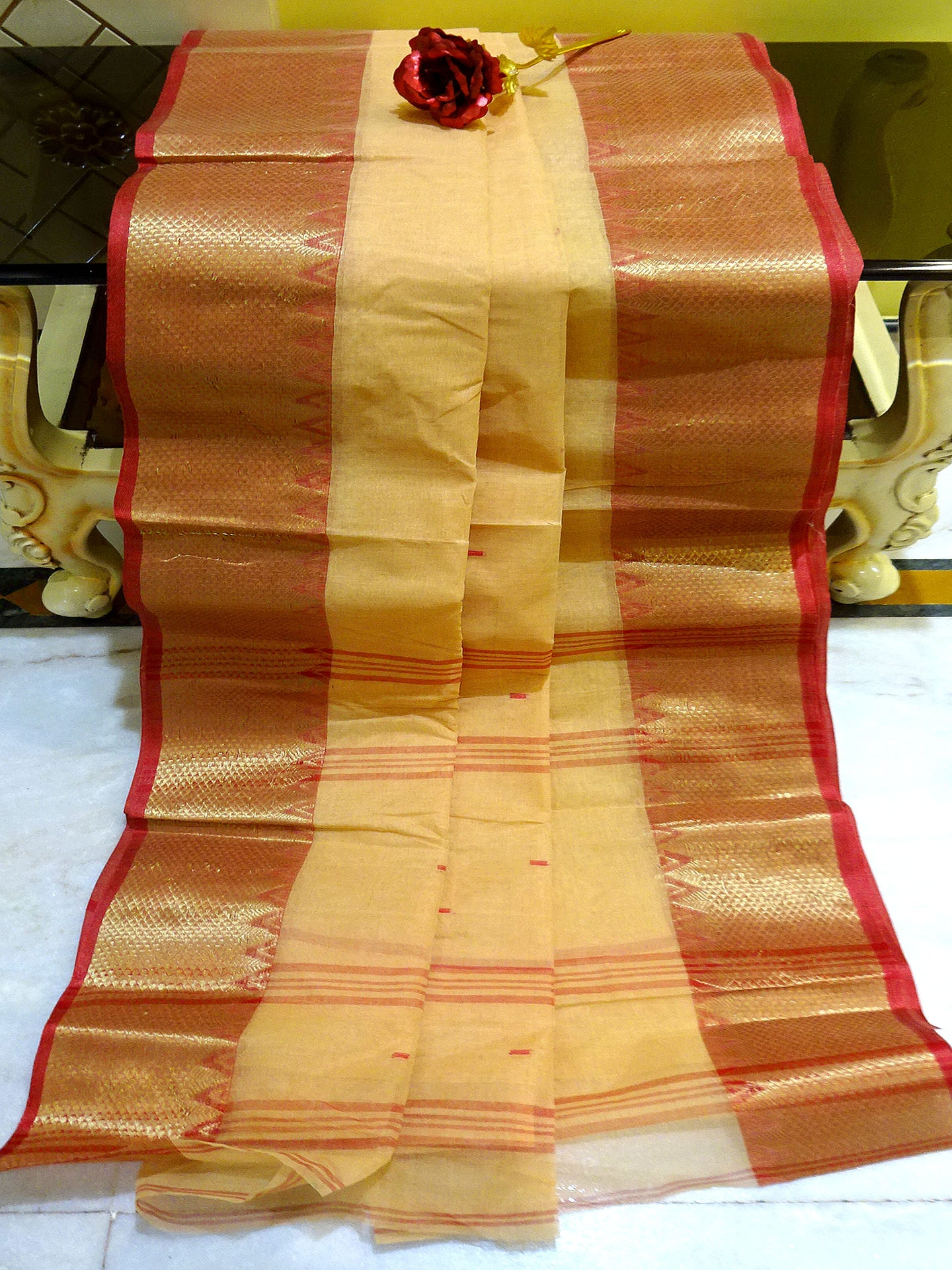 Bengal Handloom Cotton Saree in Cream and Red - Bengal Looms India
