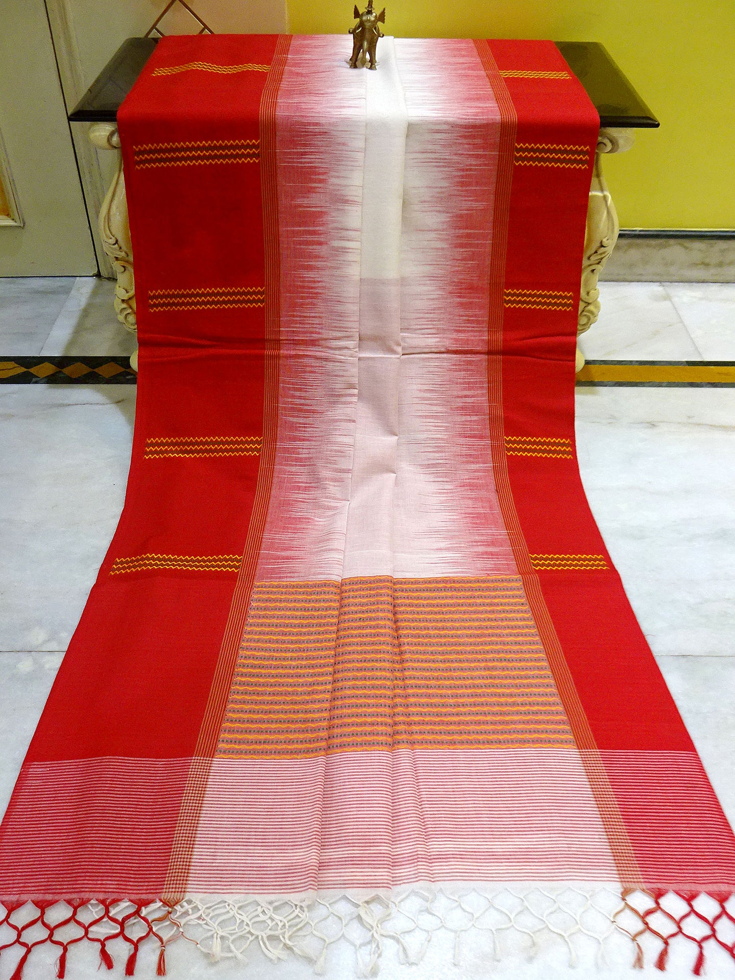 Kotki Border Soft Cotton Khadi Saree in White and Red