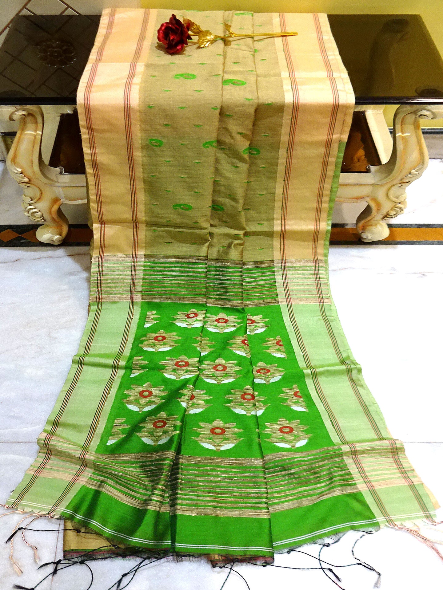 Blended Cotton Silk Jamdani Saree in Beige, Red and Green