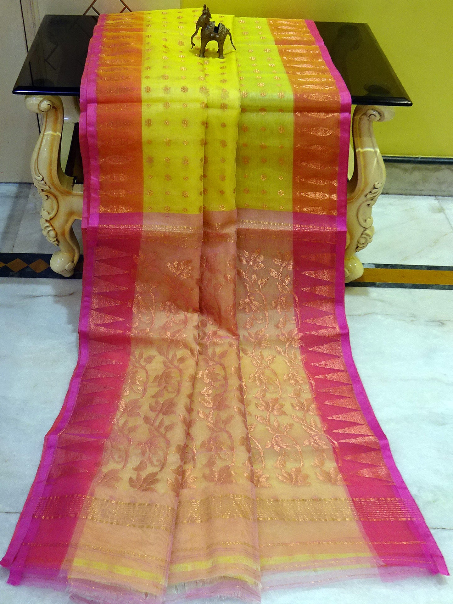 Lightweight Muslin Jamdani Silk Saree in Lemon Yellow and Pink