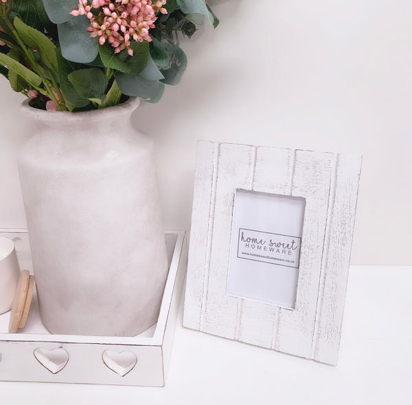 Shabby Chic White 6 x 4 Photo Frame - T&G