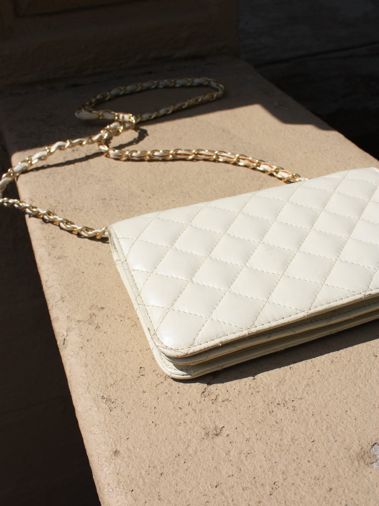 White Chain Strap Bag