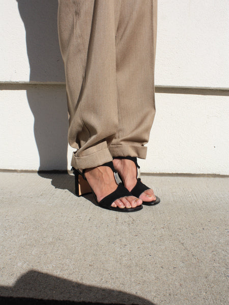 DKNY Suede Sandals (8)